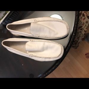 Other - Kenneth Cole White loafers